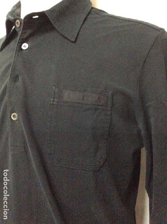 Vintage: Envió 8€. Camiseta/polo bolsillo de hombre marca PRADA MILANO Talla XL muy usada pero en buen estado - Foto 3 - 221560168