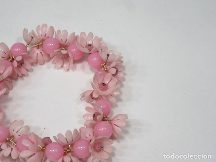Vintage: Pulsera Hippy de flores. Plástico. Original de los años 70. - Foto 2 - 222110317