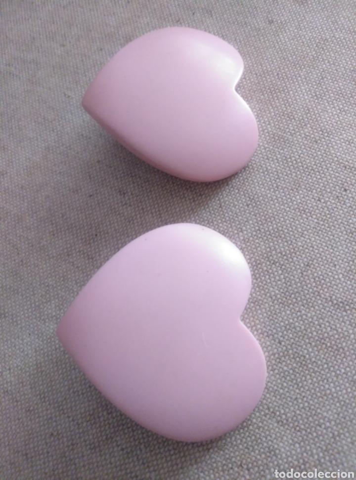 Vintage: Pendientes clip gran corazón rosa pálido. Años 80. Plástico resistente. Total revival vintage - Foto 2 - 222120822