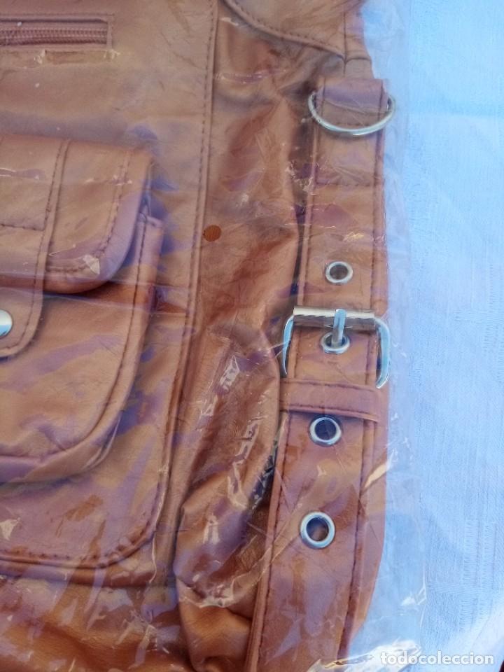 Vintage: Bonito bolso/mochila de color marrón - Foto 5 - 222121910