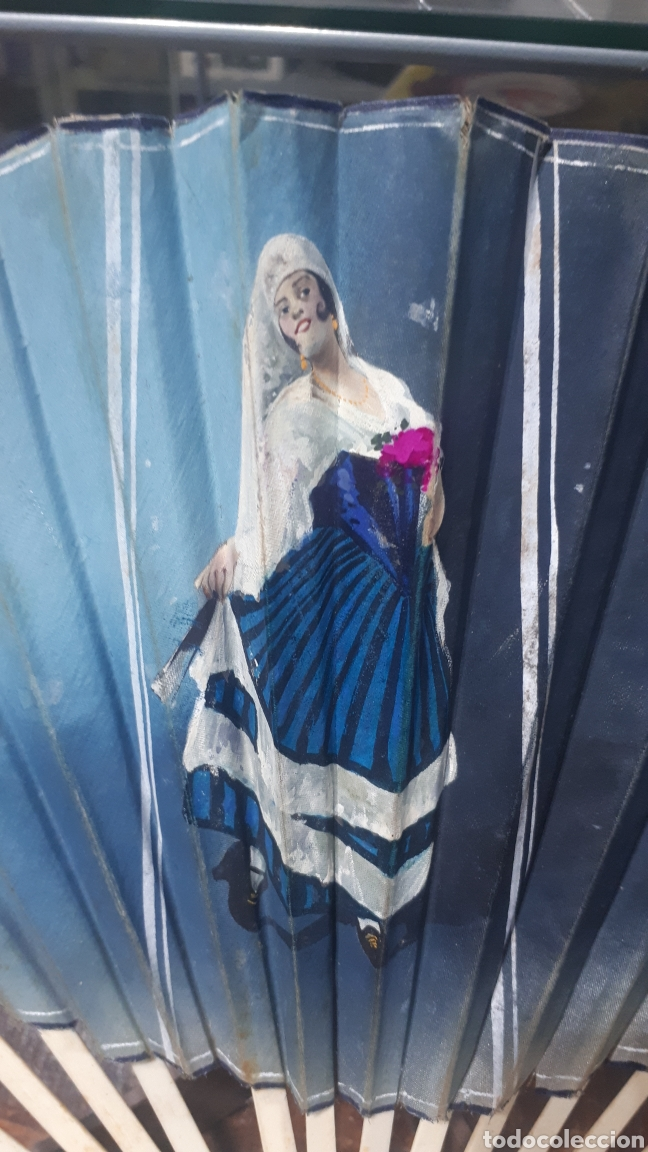Vintage: Antiguo abanico años 50 pintado a mano gitana, varillas nacar hueso o similar leer descripción - Foto 2 - 224102471