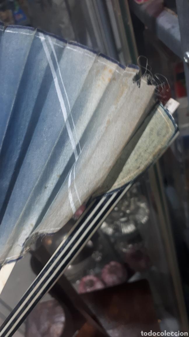Vintage: Antiguo abanico años 50 pintado a mano gitana, varillas nacar hueso o similar leer descripción - Foto 4 - 224102471