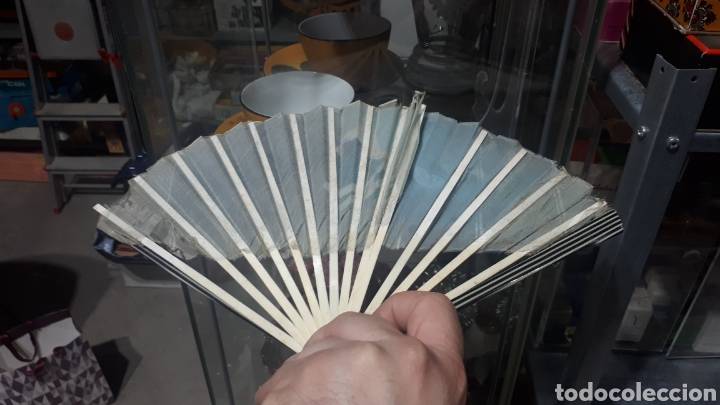Vintage: Antiguo abanico años 50 pintado a mano gitana, varillas nacar hueso o similar leer descripción - Foto 6 - 224102471