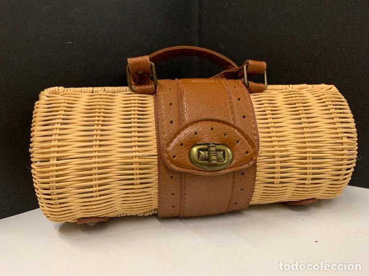 Vintage: Gracioso bolso de mano de enea o junco.Mide aprox 24x10cms sin contar el asa - Foto 4 - 224622807