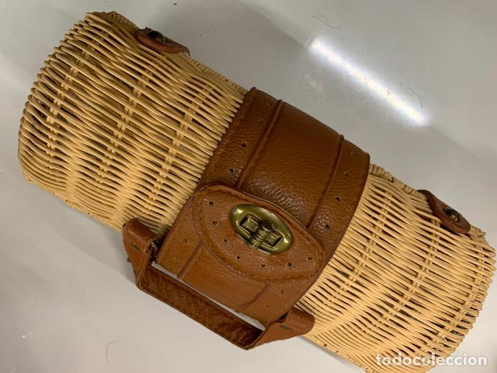 Vintage: Gracioso bolso de mano de enea o junco.Mide aprox 24x10cms sin contar el asa - Foto 7 - 224622807