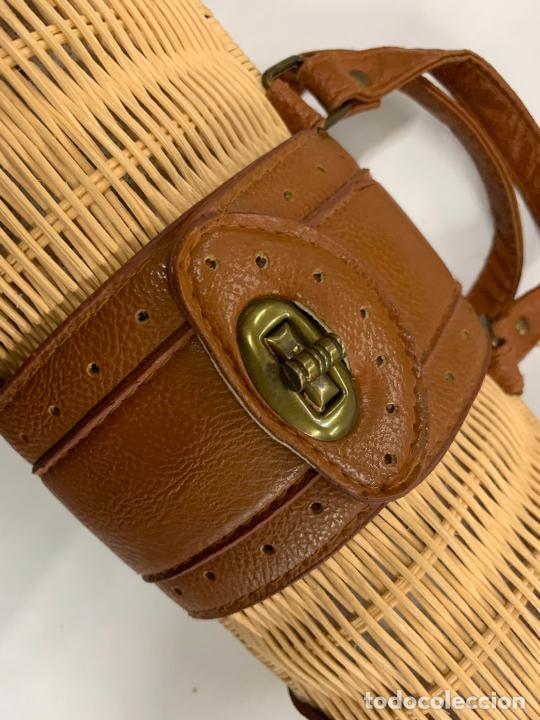 Vintage: Gracioso bolso de mano de enea o junco.Mide aprox 24x10cms sin contar el asa - Foto 8 - 224622807