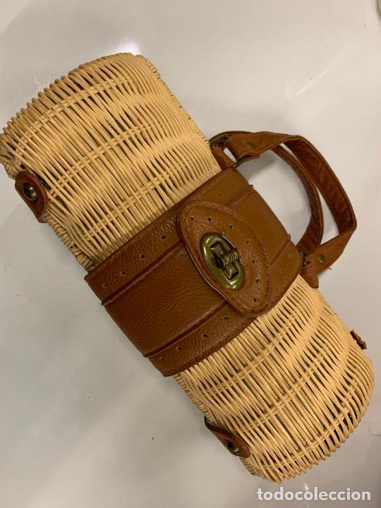Vintage: Gracioso bolso de mano de enea o junco.Mide aprox 24x10cms sin contar el asa - Foto 10 - 224622807
