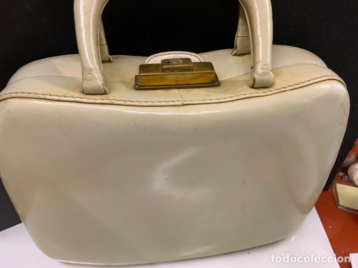Vintage: Espectacular antiguo bolso de mano o maletin.Mide aprox 30x21cms sin contar el asa. Pieza unica - Foto 3 - 224623031