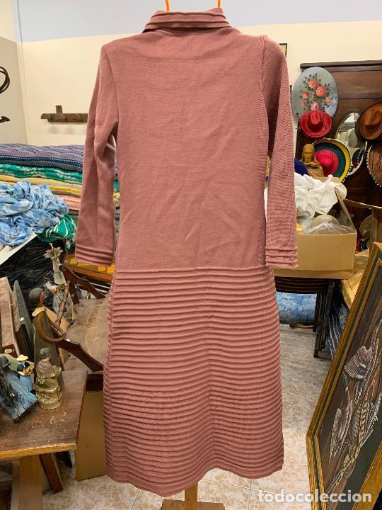 Vintage: Extraordinario vestido o chaqueta-abrigo de punto, absolutamente vintage, años 70. Impecable - Foto 3 - 224624428