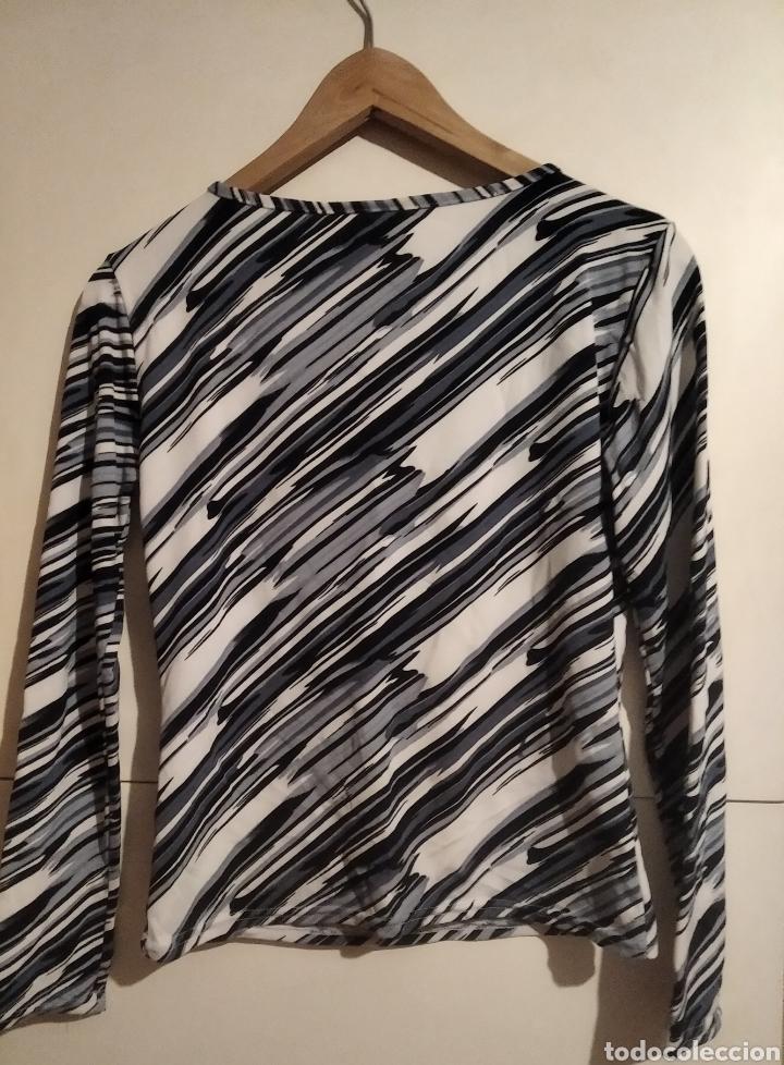 Vintage: Camiseta lycra talla M azul y blanca - Foto 4 - 228065825