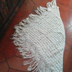 Vintage: MANTÓN DE GANCHILLO. Lote 228416740