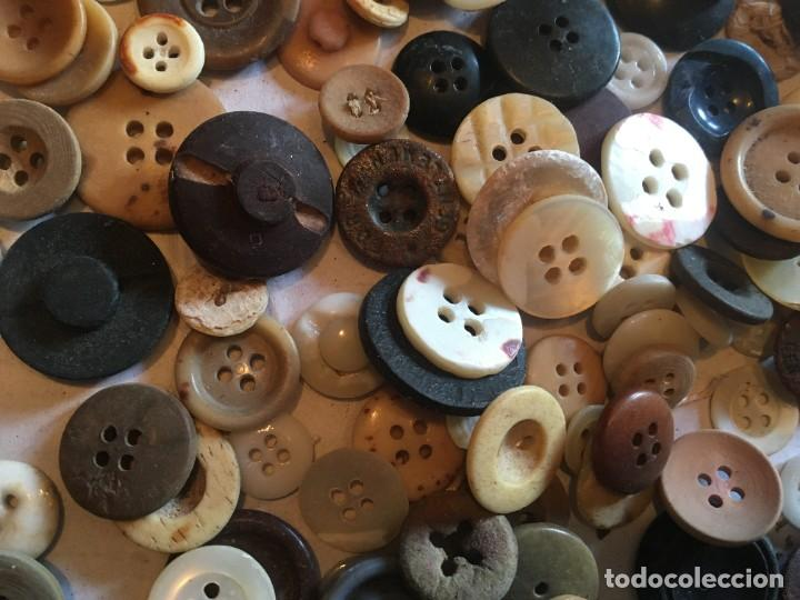 Vintage: botones varios antiguos, viejos y usados lote mas de 300 - Foto 9 - 235433645