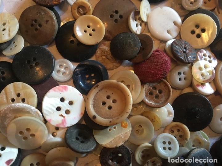 Vintage: botones varios antiguos, viejos y usados lote mas de 300 - Foto 11 - 235433645
