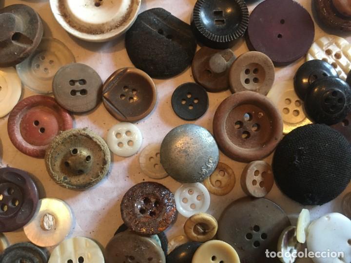 Vintage: botones varios antiguos, viejos y usados lote mas de 300 - Foto 12 - 235433645