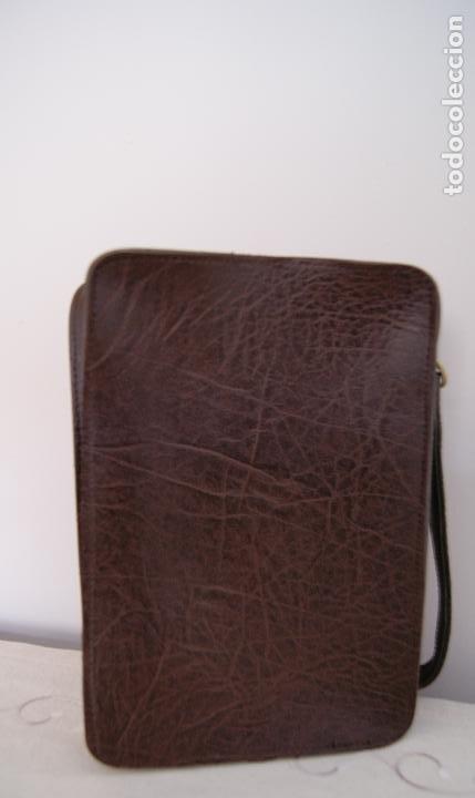 Vintage: Bolso de mano hecho en cuero grueso Piel Marrón - Foto 4 - 236133215