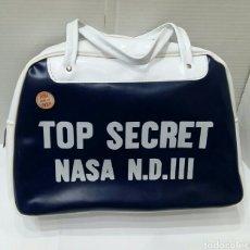 Vintage: BOLSO TOP SECRET NASA. AÑOS 60 - 70. NUEVO. PROCEDENTE DE ALMACÉN. VINTAGE.POBI.SEVILLA.37 X 27 X 12. Lote 238074050