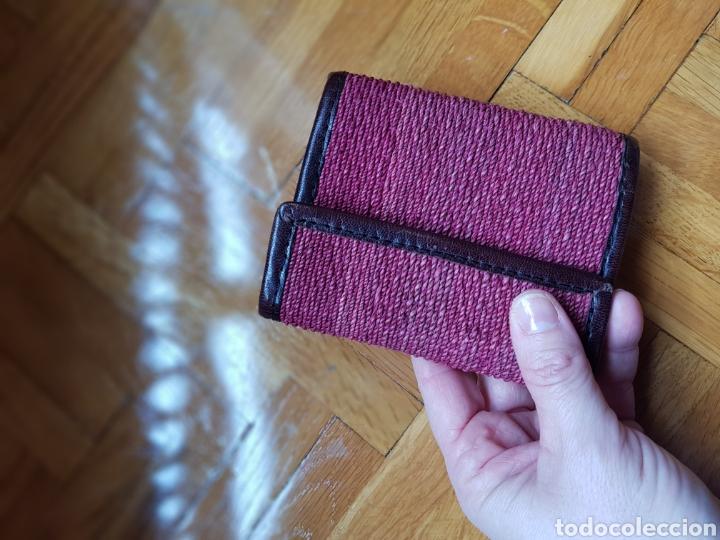 Vintage: Billetera morada y piel marrón - Foto 5 - 243014500