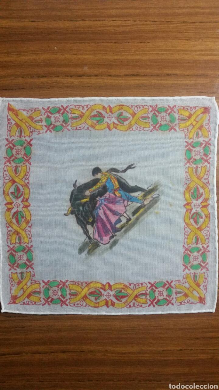 Vintage: Pañuelo pintado a mano artesanía Salamanca motivo toros - Foto 2 - 263213680