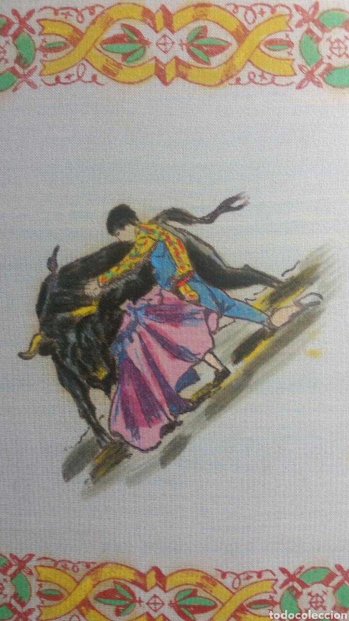 PAÑUELO PINTADO A MANO ARTESANÍA SALAMANCA MOTIVO TOROS (Vintage - Moda - Mujer)