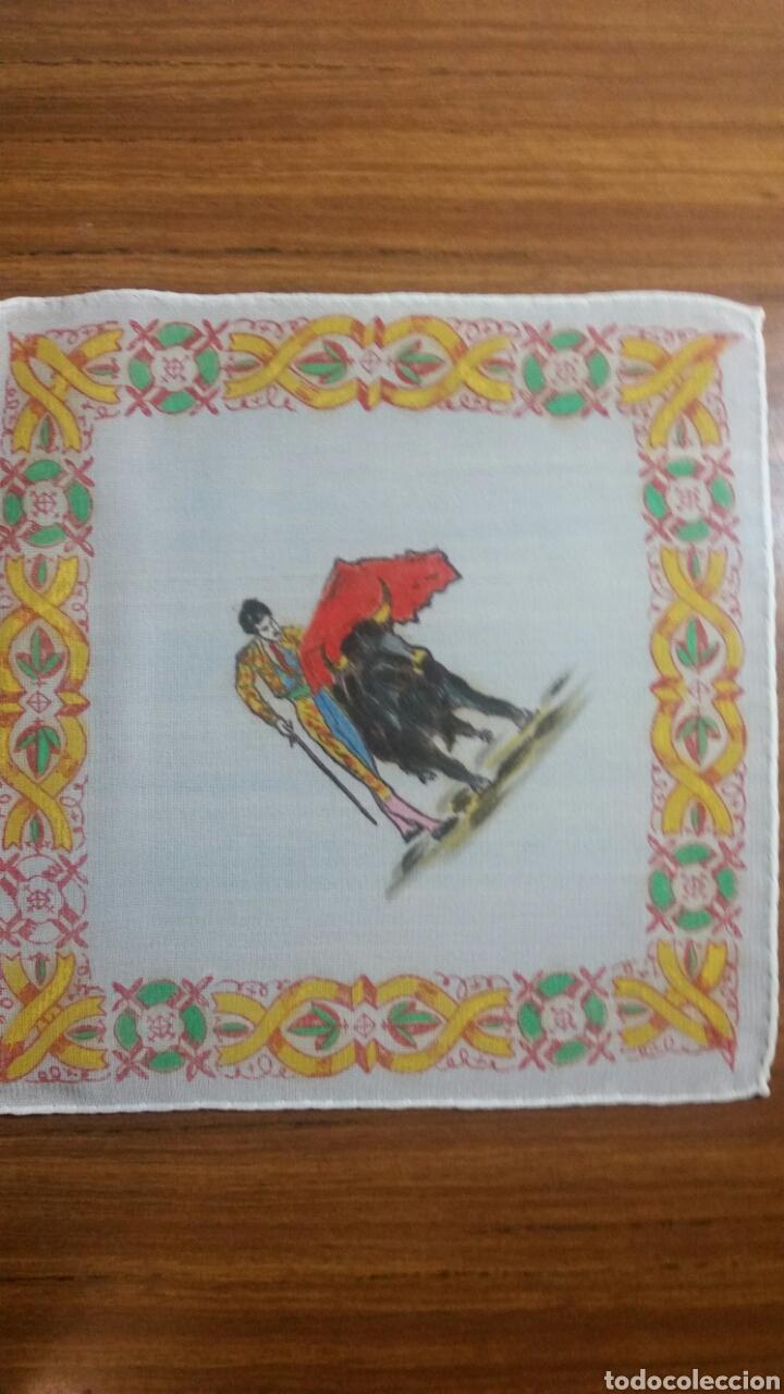 Vintage: Pañuelo pintado a mano artesanía Salamanca motivo toros - Foto 2 - 263213715
