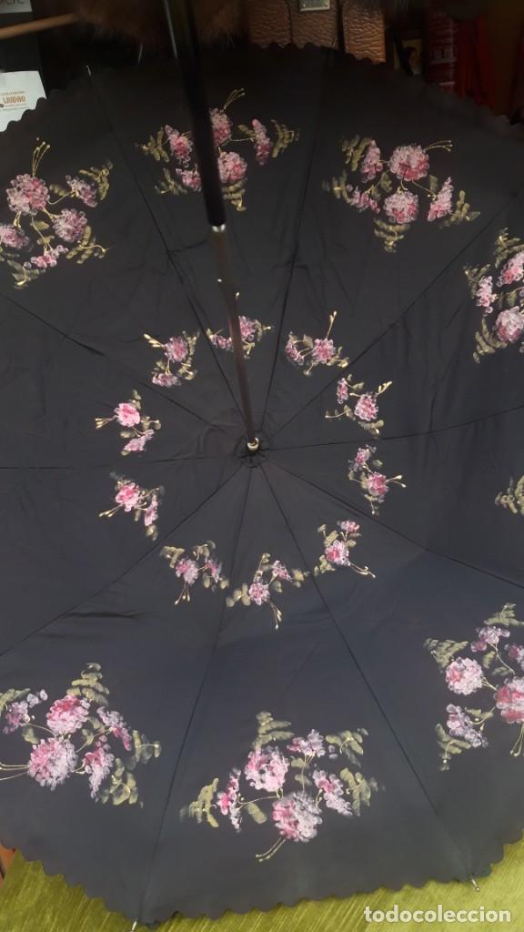 Vintage: Paraguas, interior pintado a mano, doble cara, hacia 1960 70. - Foto 12 - 252822200