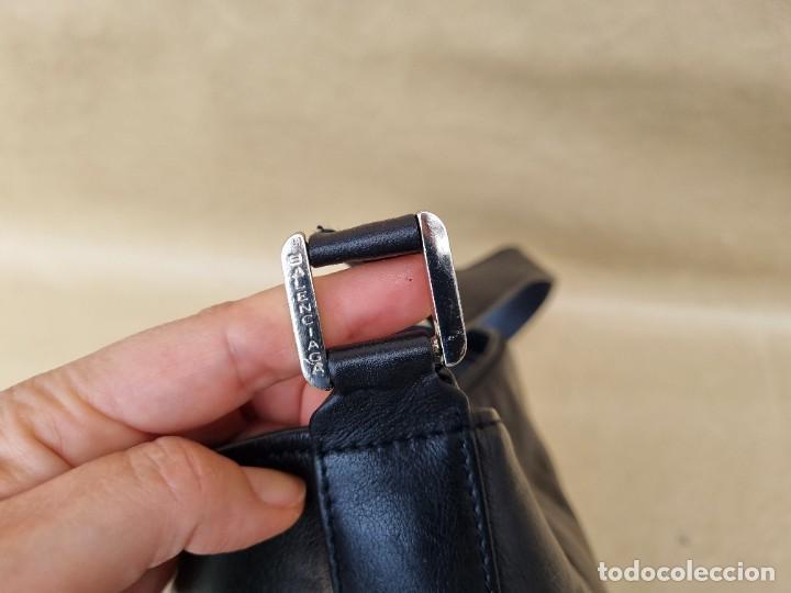 Vintage: Bolso de hombro Balenciaga en cuero negro - Foto 3 - 262051610