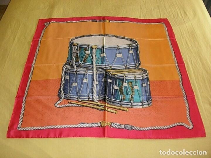 PIERO FORNASETTI MILANO PAÑUELO FOULARD DE SEDA FIRMADO 90 X 90 CM ITALIA NUEVO (Vintage - Moda - Complementos)