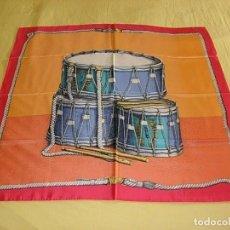 Vintage: PIERO FORNASETTI MILANO PAÑUELO FOULARD DE SEDA FIRMADO 90 X 90 CM ITALIA NUEVO. Lote 262344880