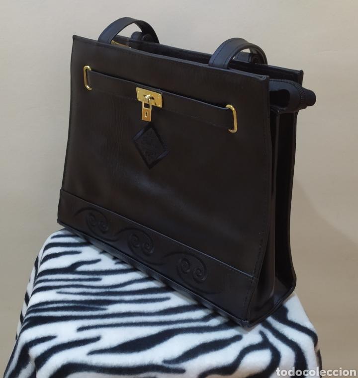 Vintage: Elegante Bolso Vintage BELLE PARIS; Prácticamente NUEVO. PERFECTAMENTE CONSERVADO. Años 70. - Foto 13 - 270689683