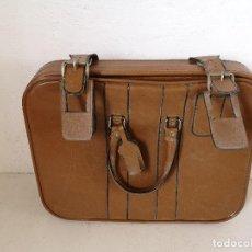 Vintage: MALETA DE VIAJE DE PIEL, VINTAGE, CON LLAVE, UNOS 50 X 40 CMS.. Lote 276071563