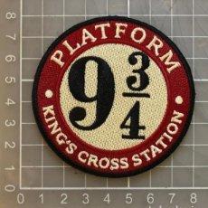 Vintage: PARCHE BORDADO TELA HARRY POTTER PLATAFORMA PLATFORM 9 3/4 KING´S COSS STATION. Lote 278227923