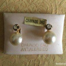 Vintage: PENDIENTES VINTAGE CHAPADOS EN ORO PERLA. Lote 288728248