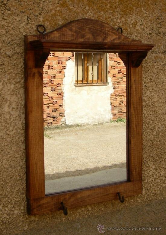 Marco de espejo de madera con repisa rustico comprar for Modelos de espejos con marcos de madera