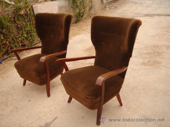 Pareja de sillones orejeros a os 50 en madera comprar for Sillones segunda mano