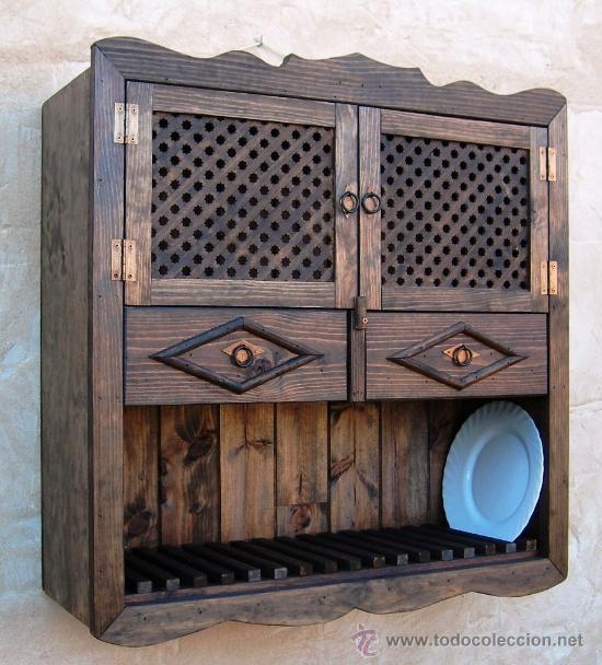 Platero de madera con puertas de celosia y dos comprar for Mueble platero