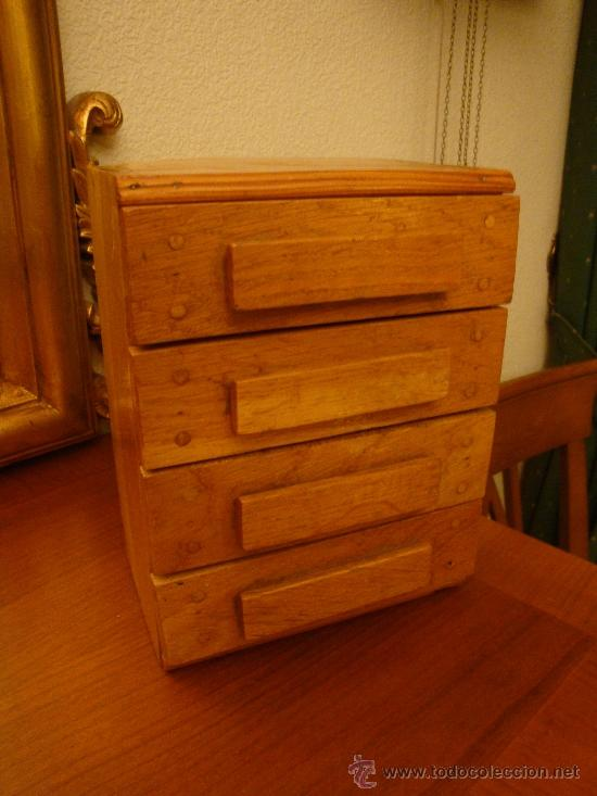 Peque o mueble archivador de cajones comprar muebles for Mueble archivador