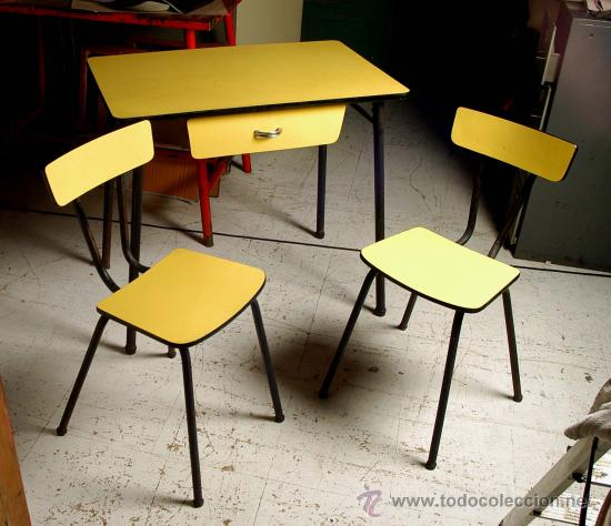 Mesa cocina amarilla formica y hierro con sus d comprar muebles vintage en todocoleccion - Sillas formica ...
