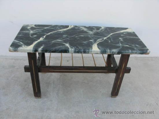 Peque a mesa auxiliar de madera con sobre imita comprar for Imitacion marmol travertino precio