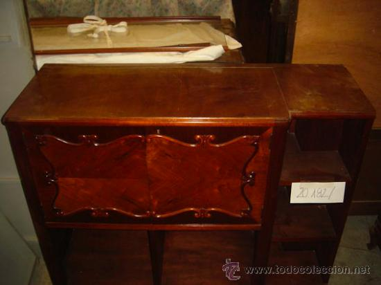Mueble auxiliar de madera con peque o armario c comprar for Mueble auxiliar pequeno
