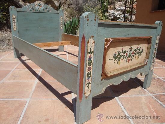 estructura de cama de madera pintada - Comprar Muebles vintage en ...
