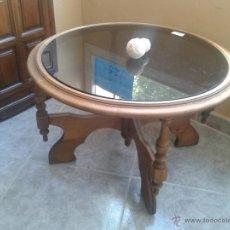 Vintage: BONITA MESA EN ROBLE CON TAPA CRISTAL AHUMADO. Lote 39635444