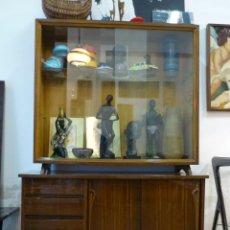 Vintage: BONITA VITRINA VINTAGE AÑOS 60. Lote 41283095