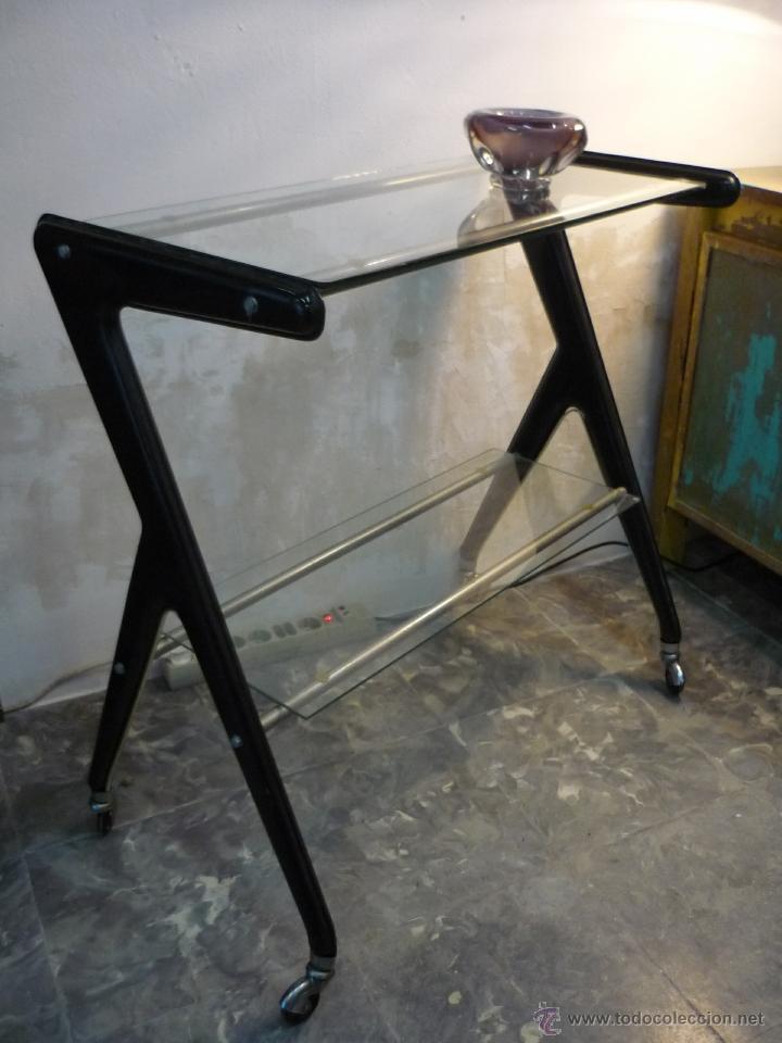 Estilizada mesa auxiliar con ruedas vintage a comprar - Mesa auxiliar con ruedas ...