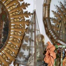 Vintage: VITRINA ANTIGUA EN CRISTAL PIRAMIDAL EXPOSITOR EN LATON Y CRISTAL IDEAL MINIATURAS . Lote 41403831