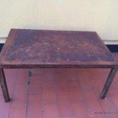 Vintage: IMPRESIONANTE MESA DE HIERRO MACIZA, CUBISTA, AL PESO. Lote 41760509