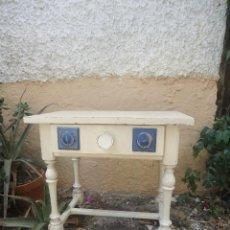 Vintage: MESITA RUSTICA MESILLA DE NOCHE -RETRO-VINTAGE-AÑOS 70-SPACE AGE-POP. Lote 43359716