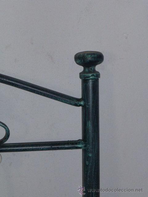 Vintage: CABEZAL DE FORJA EN COLOR VERDE DECORADO CON FLORES DE CERAMICA - Foto 4 - 44964617