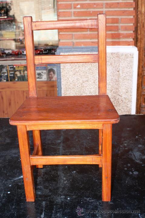 pequeña silla de pino teñida y encerada muy bon - Comprar Muebles ...
