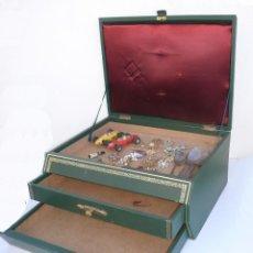 Vintage: MUEBLE EXPOSITOR CAJONERA VINTAGE MADERA SIMIL PIEL Y BRONCE IDEAL JOYERIA BISUTERIA ESCAPARATE. Lote 45915470