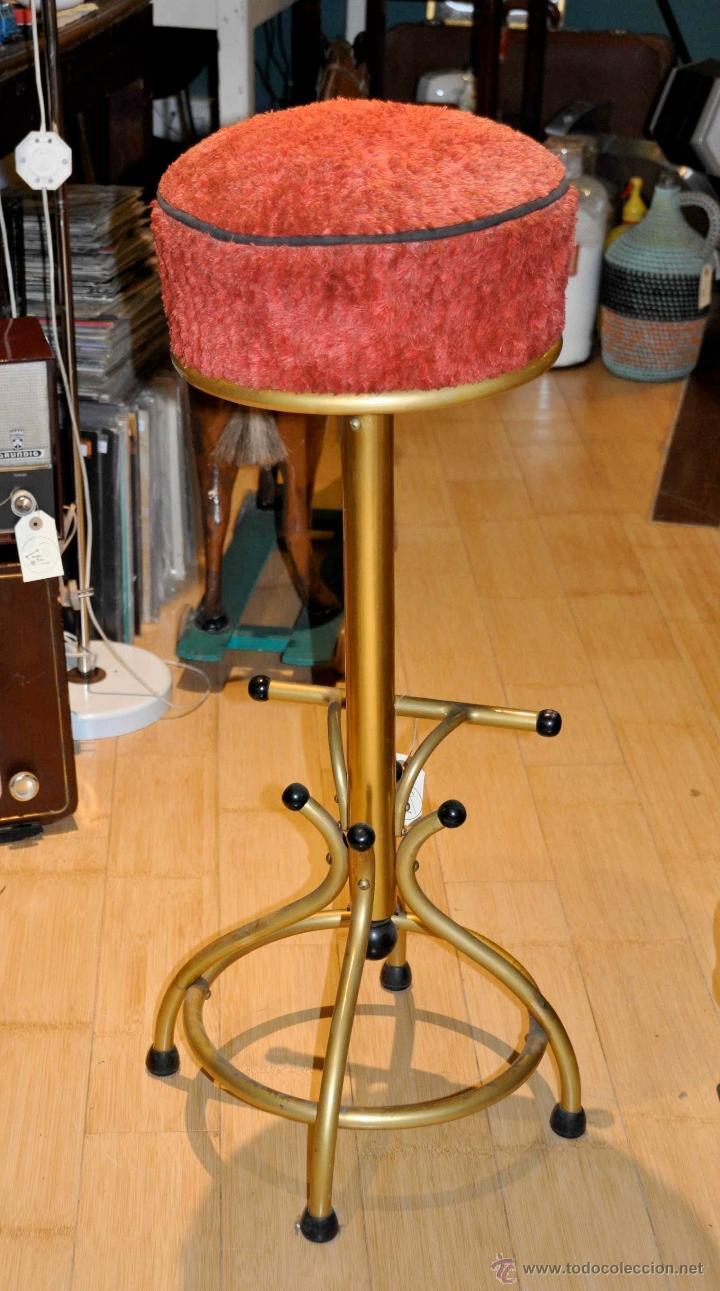taburete de bar años 70 tapizado en rojo - Comprar Muebles vintage ...